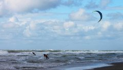 kite surfing.jpg